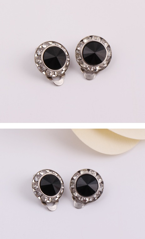 Simple Cute Black Peas Round Diamond Earrings