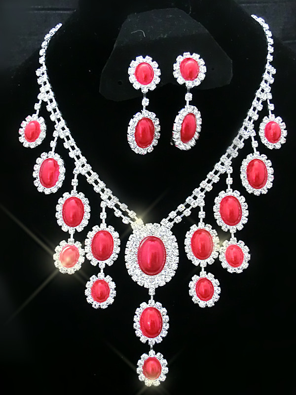 Elegant Misery Red Pearl Diamond Necklace Jewel Set