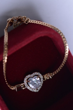 Solpresa Heart Zircon Diamond Bracelet