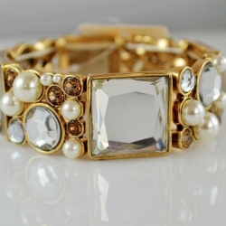 Noble Pearl Stretch Bracelet