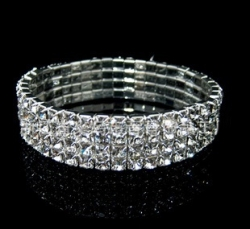 Classic Four Drain Diamond Stretch Bracelet