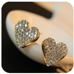 Korea Exquisite Love Diamond Stud Earrings