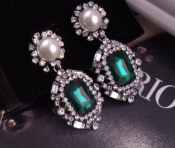 Celebrity From Star Jeon Ji Hyun Gorgeous Gemstone Earrings GREEN