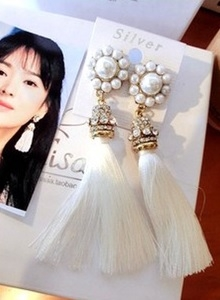 Celebrity Pearl Ethnic Earrings WHITE