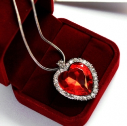 SALES Classic Celebrity Love Necklace Heart Necklace RED
