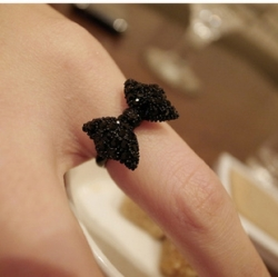 Retro Black Bow Ring Size Adjustable