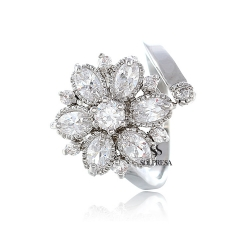Solpresa Bridal Prosperity Flower 18K Ring